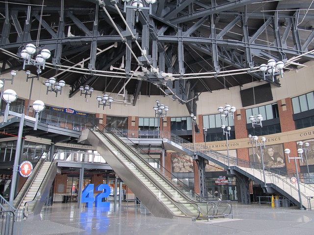 Citi Field, 01/22/12: inside the JACKIE ROBINSON Rotunda (IMG_5954)