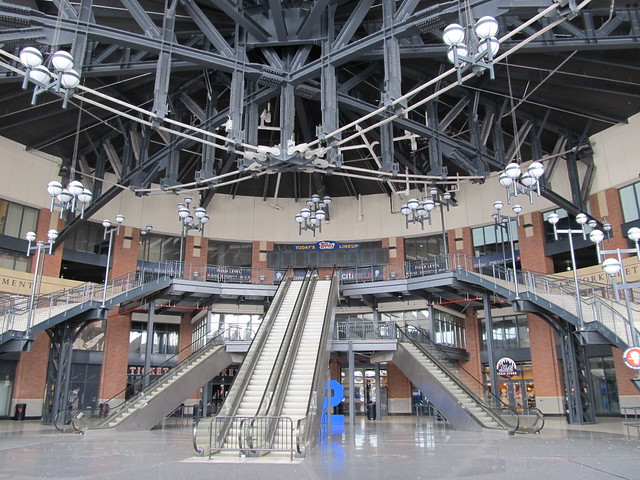 Citi Field, 01/22/12: inside the JACKIE ROBINSON Rotunda (IMG_5955)