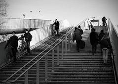 Hoge Brug Maastricht (Burnett NL) Tags: canon maastricht f14 sigma brug maas hoge limburg 30mm 550d voetgangersbrug hoeg brögk