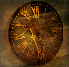 too late, I am lost (kelsk (having a break)) Tags: clock klok textured outoforder textuur brokenclock magicunicornmasterpiece mygearandme mygearandmepremium mygearandmebronze kelskphotography kapotteklok