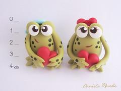 Sapinhos Apaixonados (DanielaMacedo) Tags: amor biscuit sapo casal