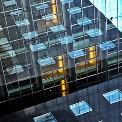 Sachsenring (estiu87) Tags: light abstract glass lines reflections arquitectura geometry minimal fassade llum reflexes vidres geometra lnees fassana
