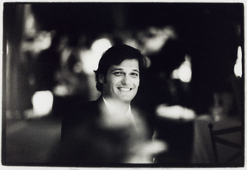 Portrait of man in wedding dinner - Edward Olive Reportajes de fotograf�a para bodas Madrid Barcelona Espa�a