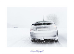 Winter Wonderland of Winter legt heel Nederland stil (nldazuu.com) Tags: winter sneeuw parkeerplaats sneeuwvlokken a28 onverantwoord slechtzicht bevrorenruitenwissers wintersweer priusii ermeloeo sneewstor
