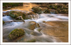 """Un rayo de sol"" (Pepelahuerta) Tags: paisajes water valencia rios canonef1740lf4 olba canon40d photoshopcreativo riomijares pepelahuerta heliopanpolarizador105mm"