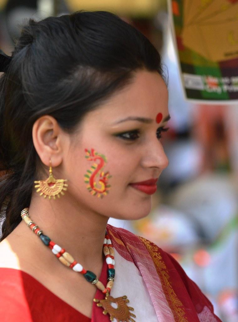 Boishakhi Mela London 2013 038 Sharkskin2 Tags Asian Dancers Indian Mtv Bollywood Sari