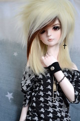 She seems to be searching for something more (Wizardmon of Nightmareland) Tags: ball eyes doll purple dream sd mohair blonde bjd brunette jointed 60cm dream