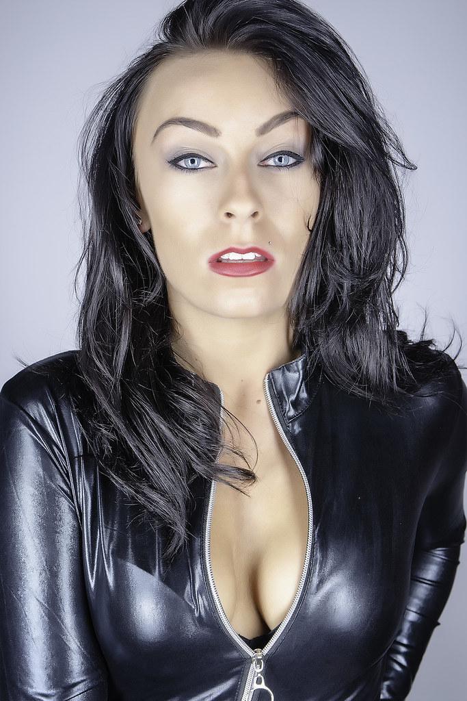 Darkhair fetish woman Yulia