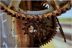 cogwheel (KZRES - José Miguel Romero) Tags: tren none decay oxido rueda grua industria giro maquinaria ferrocarril engranaje