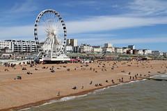 Brighton Wheel from the Brighton Pier (Olivier Monbaillu) Tags: greatbritain england canon brighton unitedkingdom angleterre eastsussex brightonpier palacepier royaumeuni grandebretagne monbaillu eos7d brightonwheel