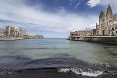 Balluta Bay (albireo 2006) Tags: sea bay wave malta stjulians balluta ballutabay