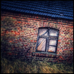 closed (andr t.) Tags: old red window wall barn bricks