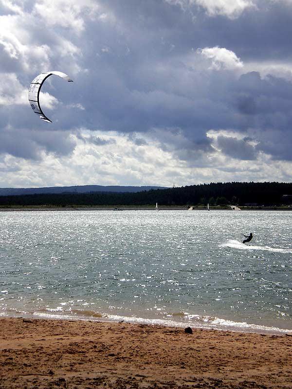 Kitesurfer auf dem Brombachsee
