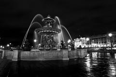 Fontaine de la Concorde (Création CARAVEO) Tags: white black paris france monochrome noir noiretblanc nb concorde fontaine nuit blanc lumières création caraveo marccaraveo créationcaraveo