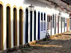 Doors and Bike (Serlunar (tks for 6.2 million views)) Tags: brazil paraty flickr photos fotos flickrduel serlunar