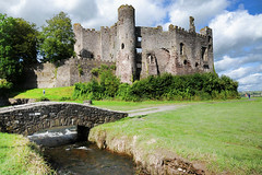 Laugharne castle (lgh09054) (marechal jacques) Tags: uk history castles wales de ruins towers cymru ruin age ruinas histoire historical welsh middle fortifications galle jacques fortress castello pays ages historia rocca castel forts castelli torri castillos medioevo fortresses torres mediaeval kasteel remparts castell ruines schlsser rovine geschichte laugharne fortezza storia zitadelle mittelalter castells chteaux burgen citadelles moyen fortalezas medievali fortificazioni medioevali mdivales marchal mittelalterlichen fortificaciones stadtmauern fortezze forteresses donjons schlosses fortifies pixures webieval talacham