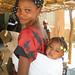 "Jeune mère à Sandiabougou • <a style=""font-size:0.8em;"" href=""http://www.flickr.com/photos/61859928@N06/6653113103/"" target=""_blank"">View on Flickr</a>"