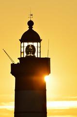 Le phare de la pointe Saint-Mathieu (Brestitude) Tags: sunset lighthouse brittany bretagne breizh phare couchédesoleil finistère pointesaintmathieu brestitude