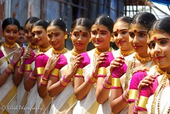 Smiling faces. (Krish | ) Tags: girls art nikon kerala krish d60 trissur traditionaldance perforance thiruvathira thiruvathirakkali womeninsaree schoolyouthfestival keralakalolsavam2012 kaikottikkali