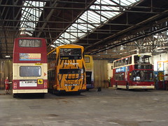 East Yorkshire 542 F242MBA - 698 YX05EOR - 671 YY52LCL (Will Swain) Tags: yorkshire east depot hull 698 542 671 yx05eor yy52lcl f242mba