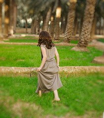 (Ebtesam.) Tags: sunlight green girl 35mm nikon farm saudi arabia ابتسام ebtesam nikond7000