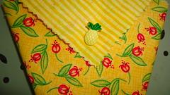 Panier origami en tissu (ZiKiarts) Tags: park flowers red orange usa paris france color green apple yellow jaune rouge origami iran crafts january hobby bananas fabric pineapple smiley baskets button ladybird ladybug dominique patchwork joanne ananas perelachaise janvier domi 2012 pomme coccinnelle tissu pinapple gambetta 75020 paniers costumemade zardkuh bazoftforever bazoft loisirscreatifs surcommande zikiarts