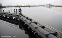 Als ze me missen... (Maurits van den Toorn) Tags: haven water canal fishing wasser harbour rod kanal kanaal delfzijl groningen hafen industrie vissen fabriek hengel fischen heveskes oterdumerwarven