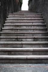 Y cuando se vea luz al final del tunel... Te cansaste de luchar (agarca) Tags: luz stairs canon eos final tunel escaleras 650d luchar cansaste