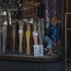 Legs (Julio Lpez Saguar) Tags: madrid street espaa fashion shop calle spain legs moda tienda concept segundo medias piernas concepto juliolpezsaguar talkinginsilence conversacionesensilencio