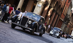 Mille Miglia 2016 (Ricardo Alguacil) Tags: car canon eos italia antique antica coche 7d bologna ricardo macchina bolonia antiguo autodepoca 2470 alguacil cochedeepoca ricardoalguacil