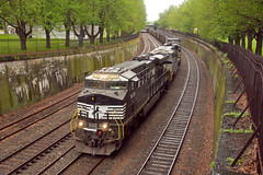 West Park (Trainboy03) Tags: pittsburgh pennsylvania ns norfolk southern pa 8109