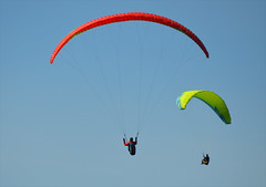 Red Yellow (Sotosoroto) Tags: sky washington hiking paragliding tigermountain poopoopoint dayhike chiricotrail