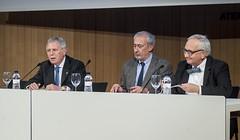 D'esquerra a dreta: El Sr. Enric Crous, el Sr. Jordi Casassas i el Sr. Carles Duarte. (Ateneu Barcelones) Tags: conca ateneubarcelons carlesduarte santivila jordicasassas saladactesoriolbohigas actesdelajuntadirectiva fundacicatalunyacultura robertfohr enriccrous