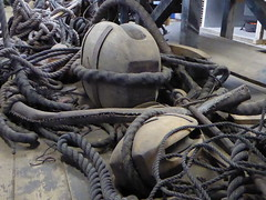 Pulleys of the Batavia, Lelystad (Alta alatis patent) Tags: batavia ropes lelystad pulleys voc