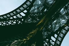 Tour Eiffel 2 (fabiopaivareis) Tags: paris france honeymoon eiffeltower frana toureiffel torreeiffel luademel