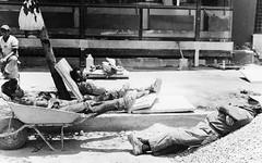 siesta!! (maxlancio) Tags: relax mexico blackwhite riposo siesta bianco nero bianconero messico analogico muratori riposare cariola