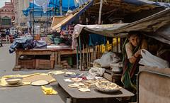 Roti? (rob of rochdale) Tags: india bread poor vendor shack sell newmarket trade kolkata roti vend chapati chowringee robhaich