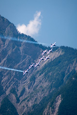 Stratification (Pierrotg2g) Tags: alps alpes grenoble nikon aircraft aerobatic avions isre alphajet patrouilledefrance d90 dauphin grsivaudan