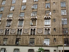 The Carteret - 208 West 23rd Street, New York (Anomalous_A) Tags: nyc newyorkcity ny newyork detail building brick architecture chelsea architecturaldetail manhattan gothicrevival mattoni emeryroth