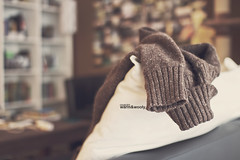 Of snowfall and cinnamon i'm made (osacim) 1/31 (Maegondo) Tags: winter brown canon germany bayern deutschland bavaria sweater warm december mood dof bokeh 14 sigma depthoffield livingroom wooly cosy pullover comfy ingolstadt 30mm eos550d