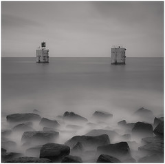 Torness 1 (Dougie Williams) Tags: longexposure blackandwhite black beach landscape scotland horizon lee stopper eastlothian longexposures torness bythesea skateraw flickraward bigstopper nd10stop leebigstopper musselburghcameraclub