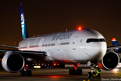 Late Night Arrival (Dahemody) Tags: night nightshot jet boeing lax 777 airnewzealand spotting anz 773 triple7 777300 klax ge90 777300er 77w zkokm