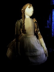 Muchacha (Valeria Dalmon) Tags: sculpture art real doll puppet movil size escultura material textil muchacha valeriadalmon