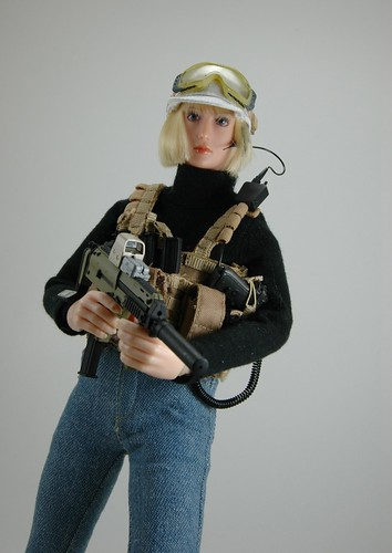 woman female actionfigure jeans ttl turtleneck pmc girlswithguns mp7 16scale tacticalbabe pmcbaby