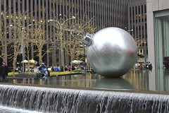 Christmas ball (Simone Lovati) Tags: winter newyork 2011