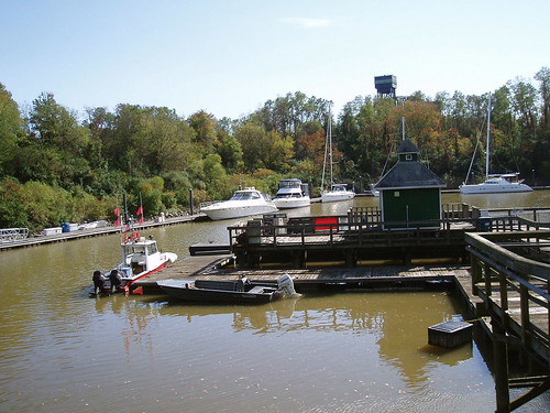 water docks boats canal dock delaware cdcanal chesapeakeanddelawarecanal newcastlecounty summitnorthyachtclub