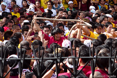 Black Nazarene 2012: Otso (Gerald Tejada) Tags: black philippines january 9 na manila ng pista nazareno 2012 quiapo nazarene itim