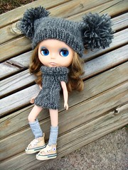 knitted hat and sweater for blythe