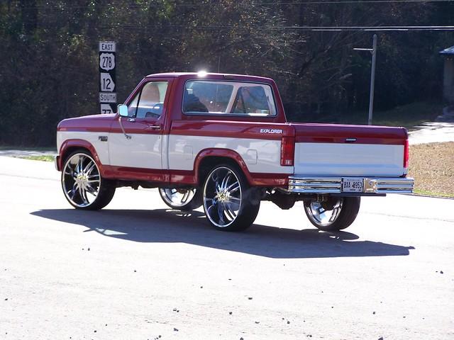 red white ford truck 1982 pickup f150 1984 1981 1986 1980 1985 tutone bigrim