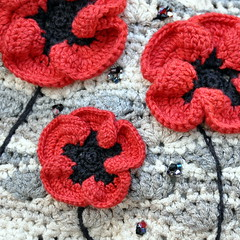 Close up (Kiwi Little Things) Tags: bag beads crochet purse poppies swarovski handbag